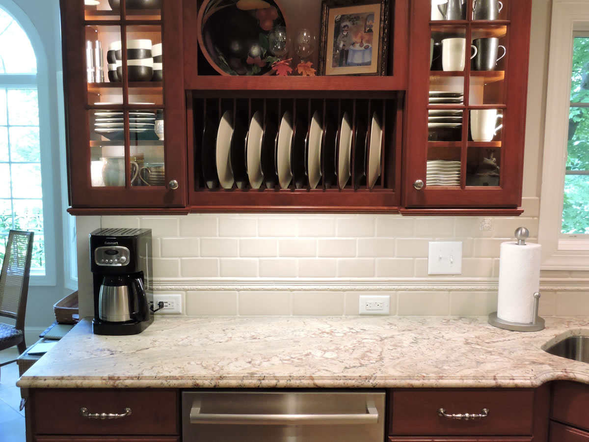 kitchen cabinets, plate cabinet