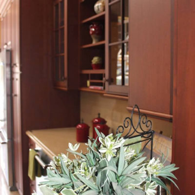 display of upper cabinet shelves at ideal cabinets